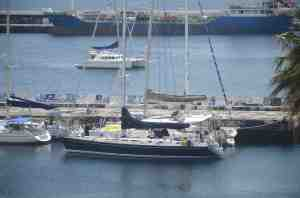 Moondance rafted up in Horta